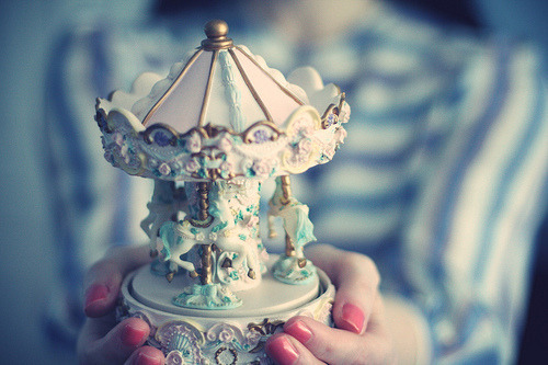 carousel music box <3