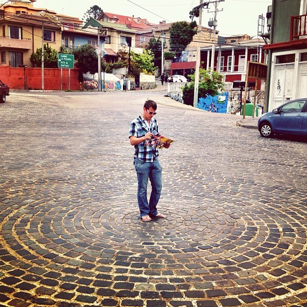 Lost in: #chile #valparaiso #maps #cobblestone #streets #southamerica #tourist (Taken with instagram)