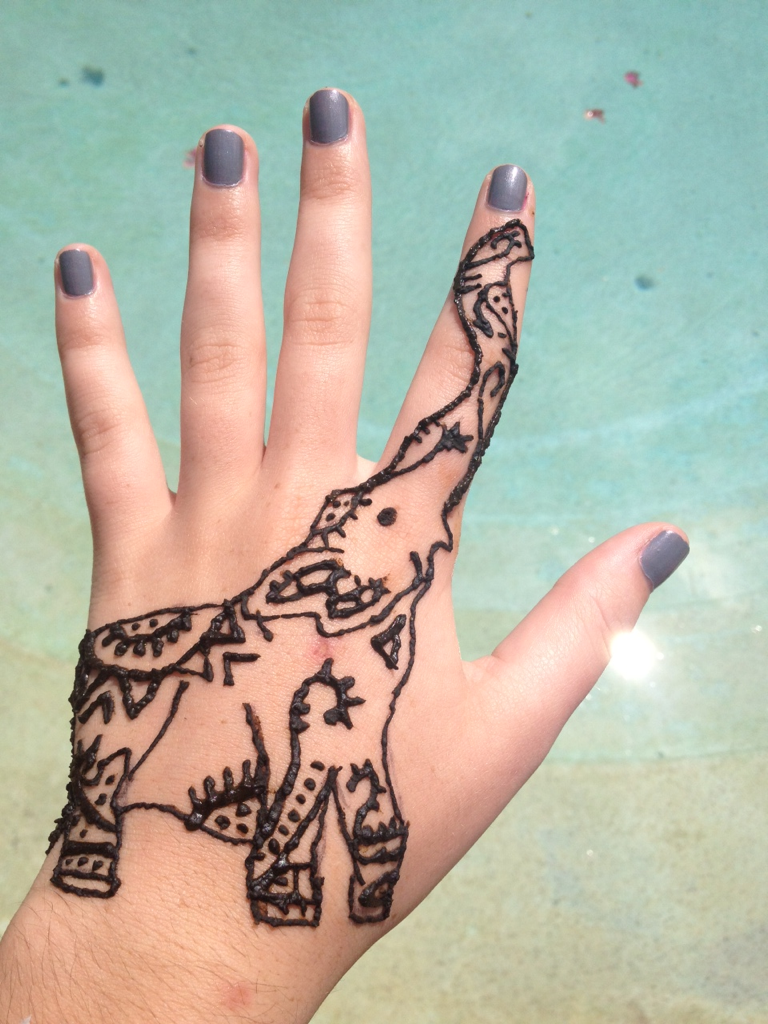 heroesofheartache:  coconut-bra:  Henna:) my picture, please don't remove credit!  Gracie this is our next henna!  woohooo i can't believe how many notes this got