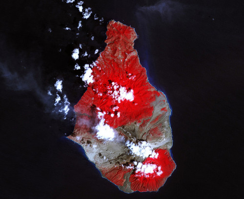 plantstep:  Soufriere Hills Volcano Resumes Activity by NASA Goddard Photo and Video on Flickr.