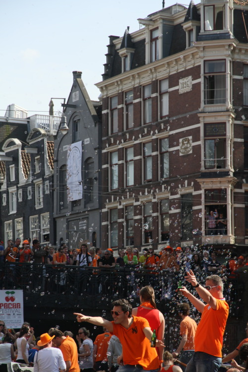 jameswatz:  Queensday 2012, The Netherlands, Bubbles & Amsterdam.