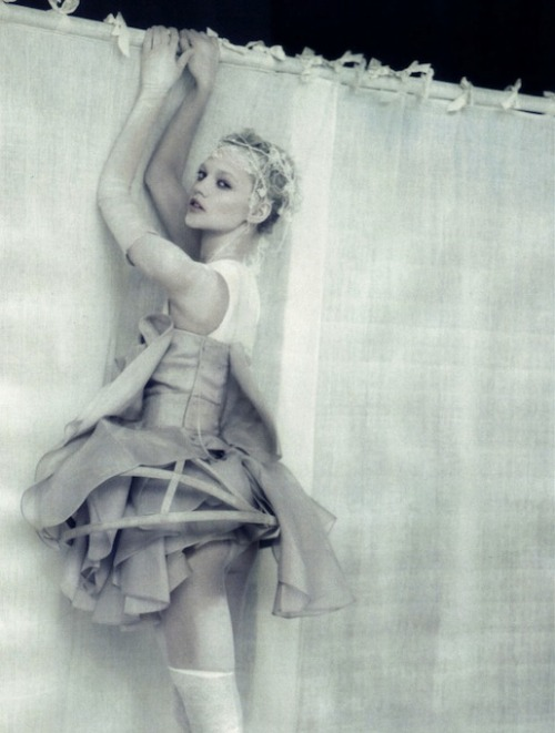 moldavia:  Sasha Pivovarova in Vogue Italia April 2010 by Paolo Roversi