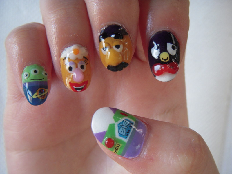 potatoeshavetoes:  Toy Story nails by Nail Salon Niche
