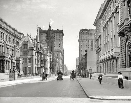 5th ave and 51st street in New York City, 1908 with Central Park visible in the background.