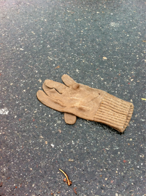 "tan knit glove found in the street, during freezing rain GPS: lat 42° 23' 3.60"" N long 71° 6' 0.60"" W alt 13.31m 08:26:17 2012.01.13"