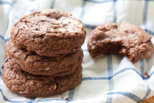 oohhhbaby:  chocolate hazelnut cookies