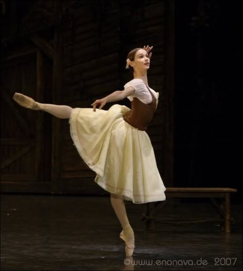 thedailyballet:  balletish:  Polina Semionova dancing Giselle  Photo by Enrico Nawrath.