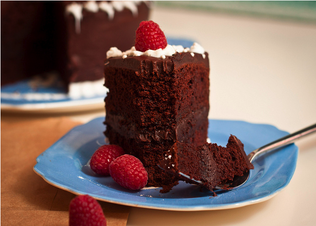 -0mgf00d:  Chocolate fudge cake