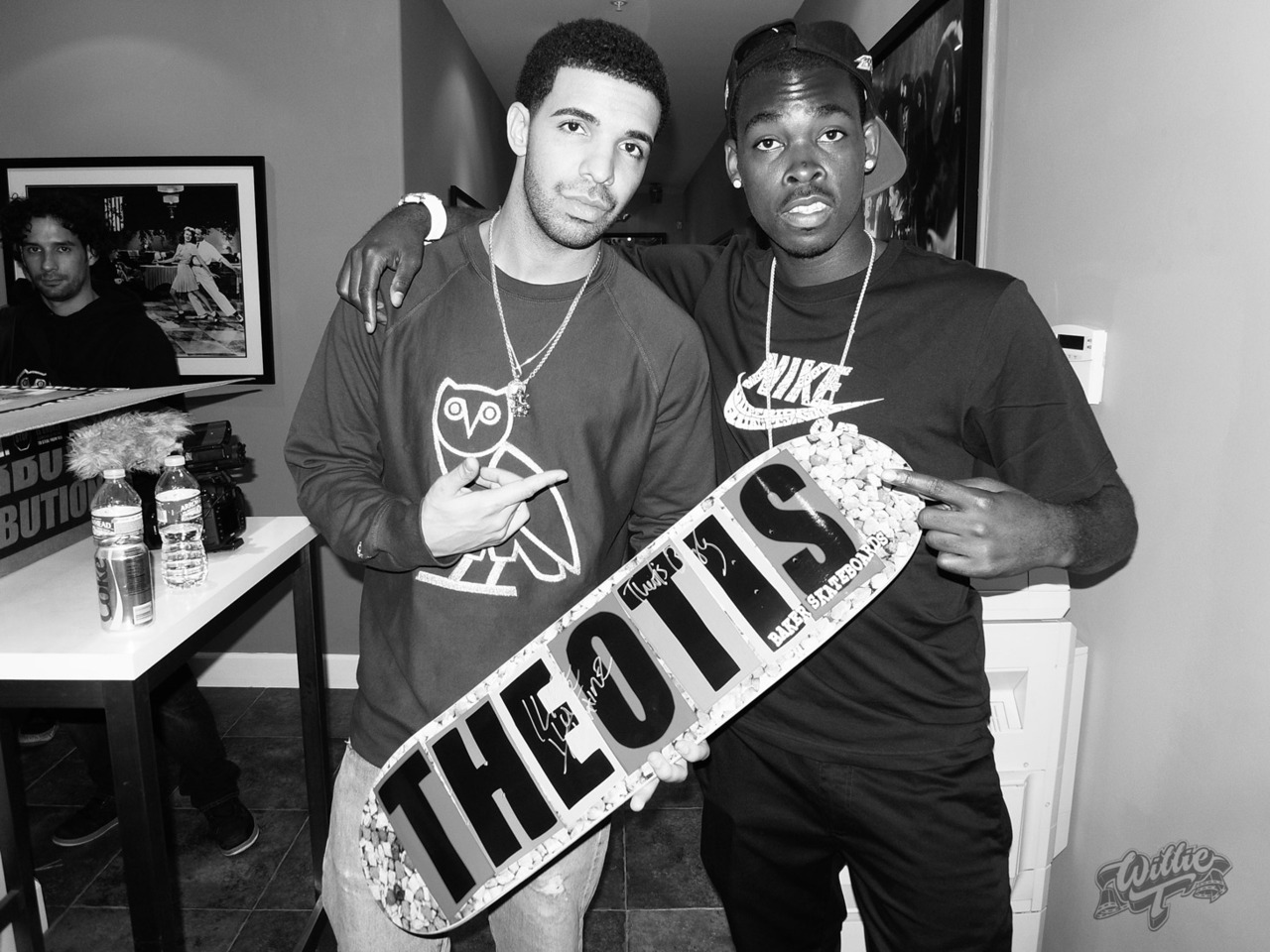 Theotis and Drake Chilling on set for 2chainz music video