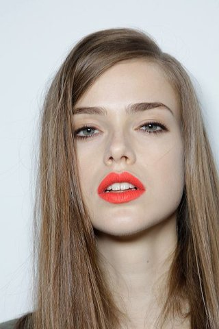 : orange lips!! source: www.ffffound.com