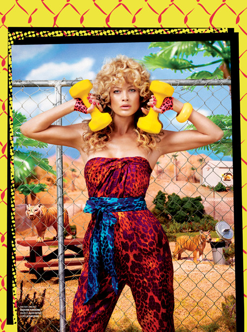 labellefabuleuse:  Carolyn Murphy styled by Nicola Formichetti and photographed by Sebastian Faena for V Magazine, April 2012  girl look at this body, gurl look at this body, i work out  (a different versioon of sexy and i know it)