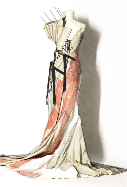 thedoppelganger:  Postcard of dress no. 39, Christian Dior Spring 2000 Haute Couture, Remaking Fashion, National Gallery of Victoria (Melb, Australia, 26 Sep 08 - 19 Apr 09)