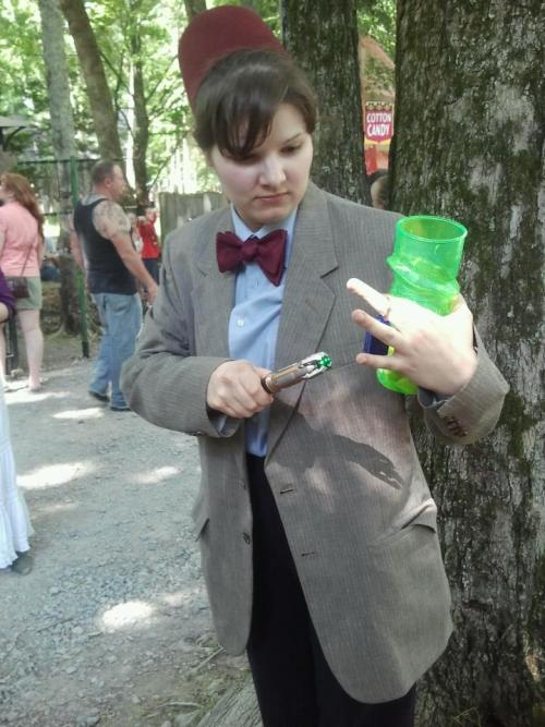 Cosplay of the day: Lady Doctor Who Doctor Who got trapped in a 16th century English village and his Sonic Screwdriver won't fix the Tardis so that the Doctor can actually fit to travel elsewhere!  Oh, and also, the Doctor became a chick.