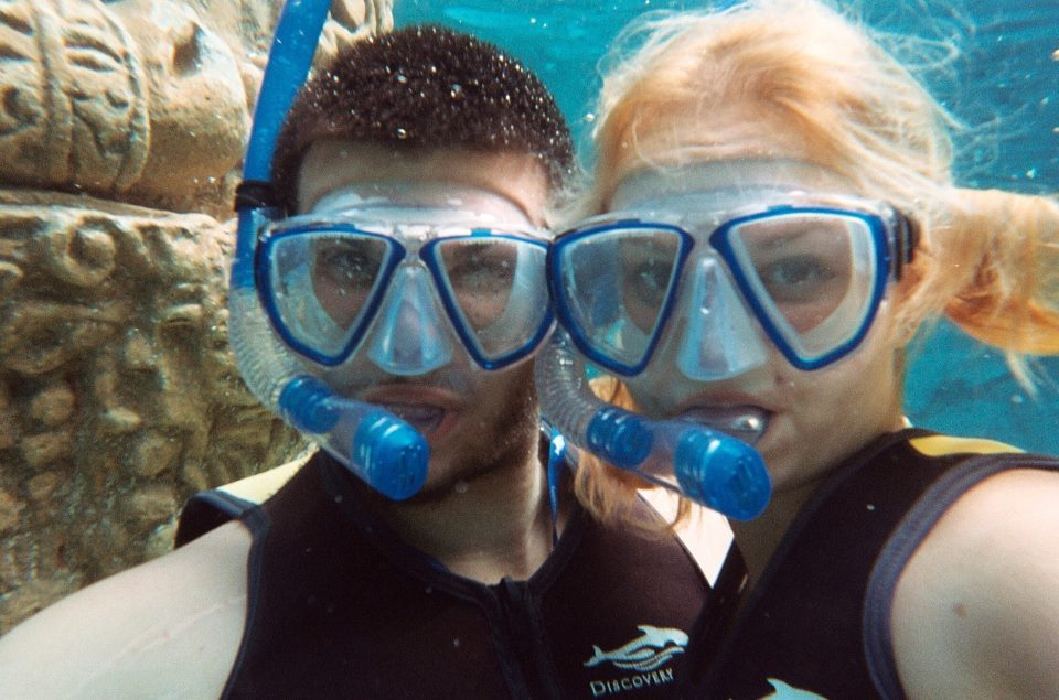 ilovethewhales:  me & my boy at discovery cove :)