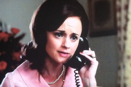 elcomfortador:  This right now. Rory Gilmore on Mad Men. Kind of blowing my mind.
