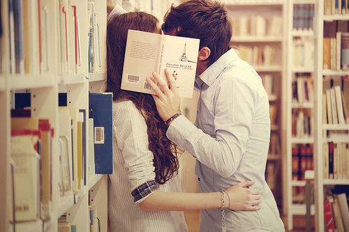 Through books we made an excuse to know each other, around books I propose you. I <3 you sayang.