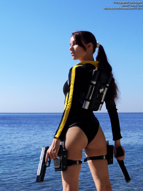 friendzoner:  cosplayblog:  Lara Croft from Tomb Raider Underworld  Cosplayer: Tanya SochivetsPhotographer: Alex Beyket   Necesito decirlo?  No es necesario decirlo.