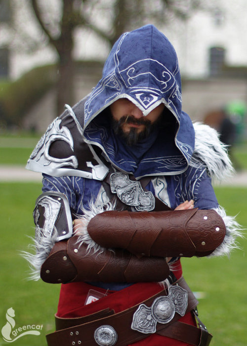 Ezio Auditore da Firenze from Assassin's Creed: Revelations  Cosplayer: LadyBadPhotographer: greengreencat
