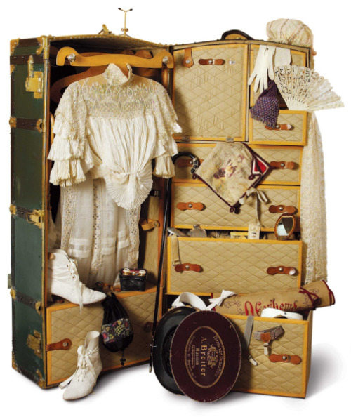 belle epoque travelling trunk…