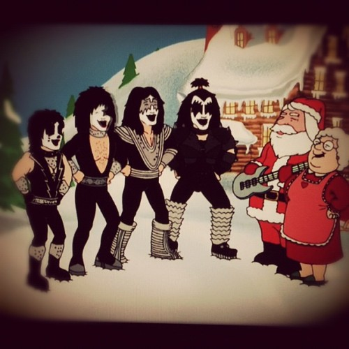 rusredneck:  Family guy feat KISS #cartoons #familyguy #kiss #rock #rockstar (Taken with Instagram at Redneck' home)