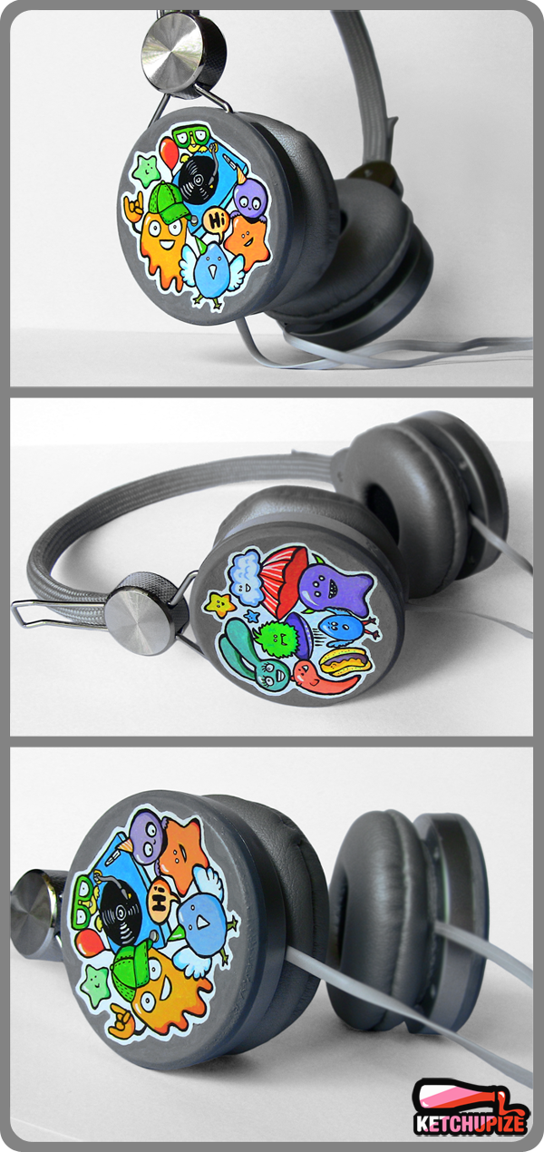 Hand painted custom headphones Acrylic paint and markers.More info/available at www.ketchupize.etsy.com