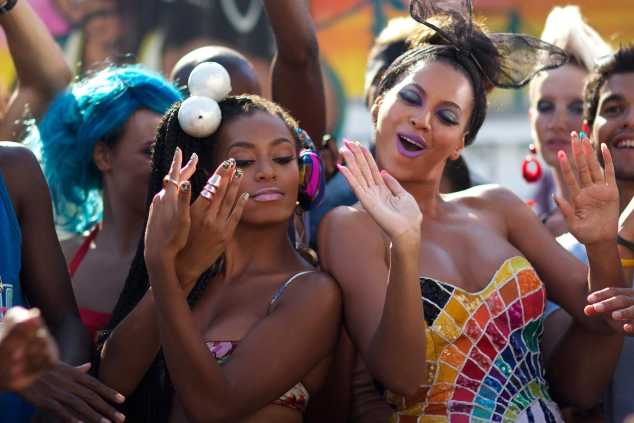 Behind the Scenes of Beyoncé's Party Music Video photographed by Shaul Schwarz 4(2011) (source beyonce.com)