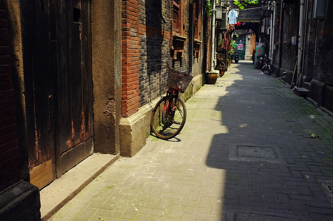 Shanghai is so different every step you take. In one block it can change from futuristic to historical, from fancy to simple.