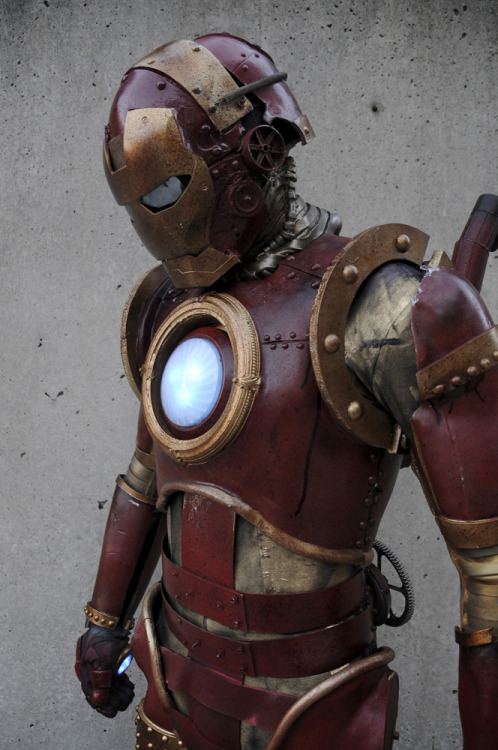 noxxoi:  sweetmotherofpie:  STEAMPUNK IRON MAN STEAMPUNK IRON MAN   IMPOSSIBRU