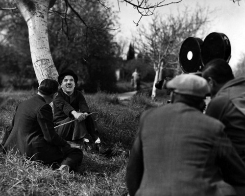 waltdisneywithblood:  Charlie Chaplin on the set of Modern Times (1936). (Via)