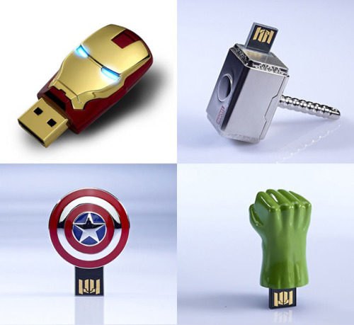 skruudrivah:  Avengers USB sticks from Fancy  I want them all.
