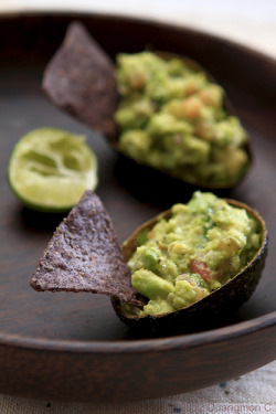 wehavethemunchies:  Wasabi Guacamole with Blue Tortilla Chips (by Duangmon C.)