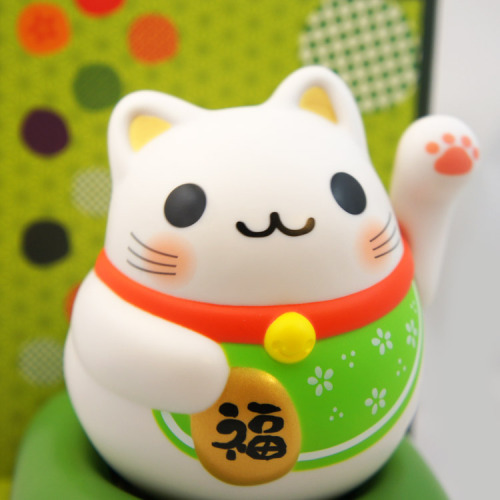 shopheykittykitty:  New in the Shop: Chubby Solar Powered Lucky Cat - Green