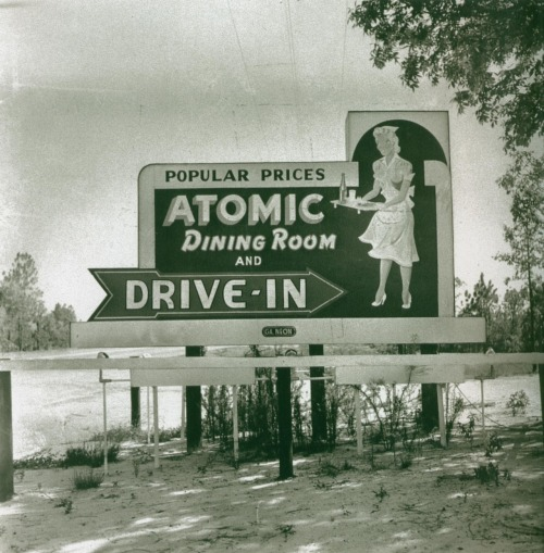 updownsmilefrown:  Atomic Dining Room Augusta, Georgia, 1952