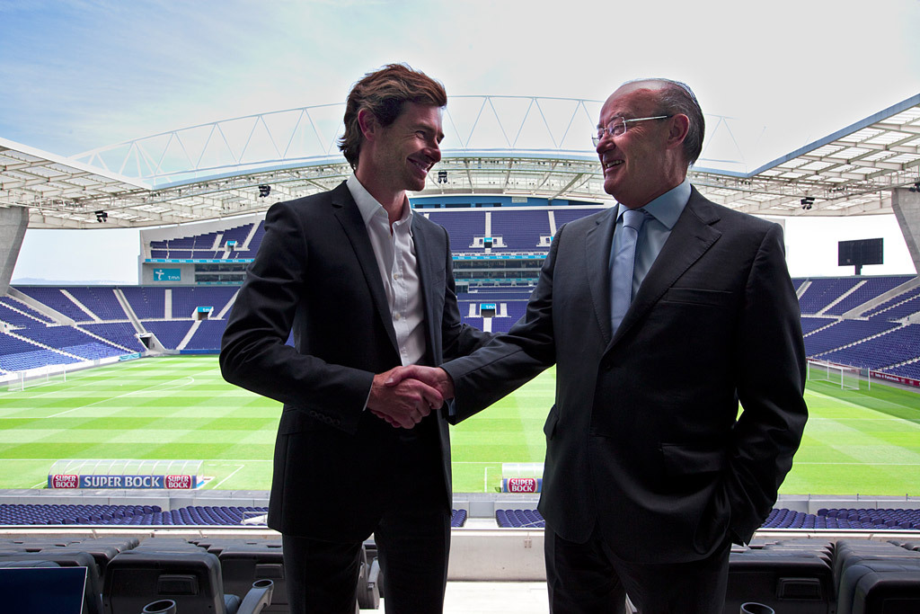 The Dragon on a sunny day. Porto president Pinto da Costa welcomes Andre Vilas-Boas as new manager to the club, June 2, 2010. Source: Publico