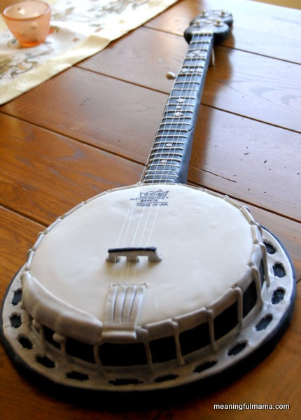Banjo Cake - Yes, it is a CAKE!
