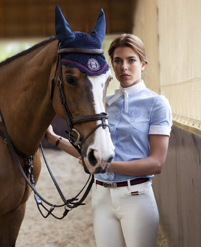 #13 The equestrian style Not only it's fashionable but it's also very elegant and certainly classy. It suits every single woman and every shape. The main garments to achieve this style are the beige trousers, the white shirt (or a polo), the blazer and the scarf. And of course let's not forget the riding boots. (The picture: Charlotte Casiraghi, Princess of Monaco, for Gucci) -IL