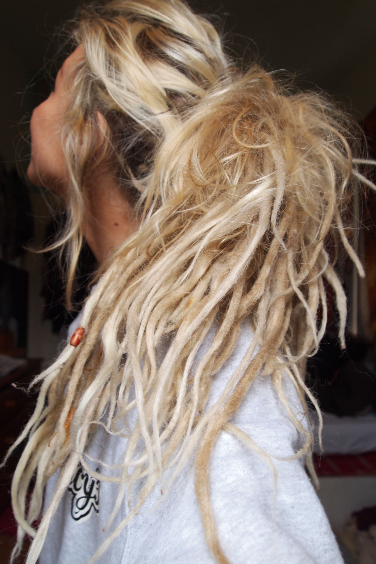 stuck-in-the-mainstream:  I want dreads omfg