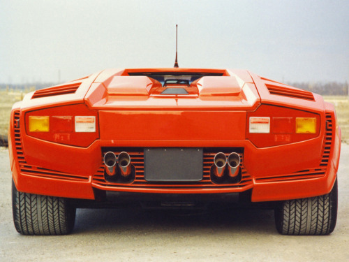 1988 Lamborghini Countach Prototype……a true work of hypercar art