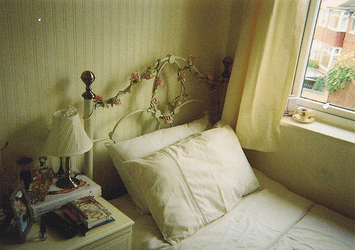 what-is-flying-like:  This is who I am - nonamesareleft: Bedroom (by Elizabeth Anne… on We Heart It. http://weheartit.com/entry/27951931