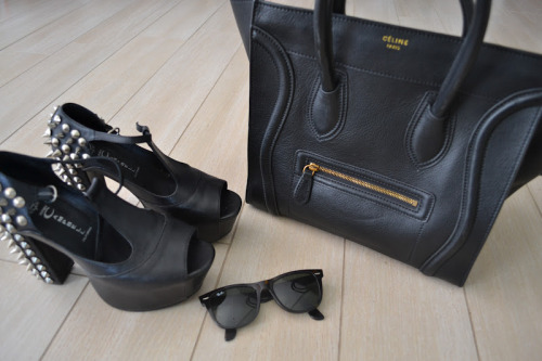street-runway:  t-e-a-for-t-w-o:  those shoes!!!!  And bag