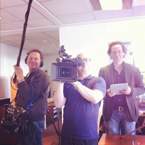 valahalldorsdottir:  Dutch TV Crew interviewing us today about our startup, Iceland and more  TV Crew at the Kinwins HQ yesterday interviewing us