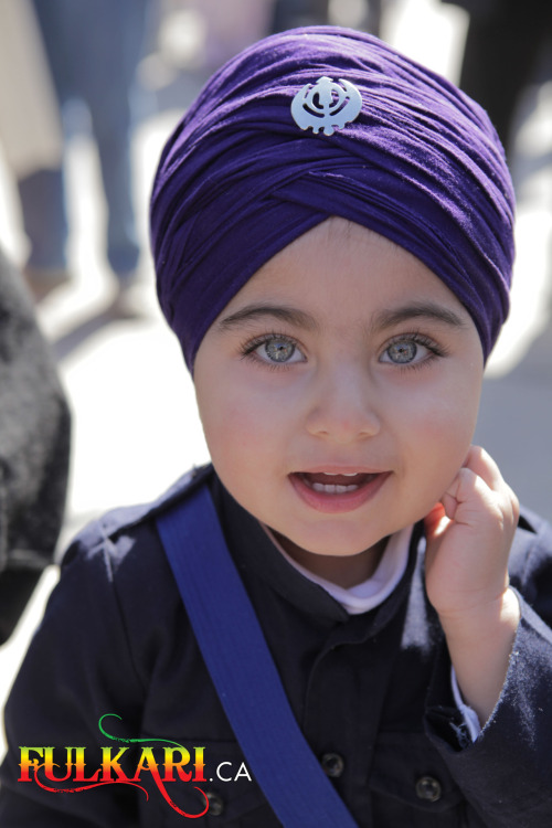 daughterofgurugobindsinghji:  kaur-princess:  This baby's eyes are just beautiful. Looks so adorable :')