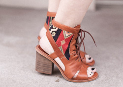 le blog de betty in the andrea cutout bootie <3