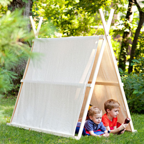 rainbowsandunicornscrafts:  DIY Drop Cloth Tent Tutorial. Skill level: beginner. Tutorial from Lowes here. List of materials, diagrams, etc… at the link.