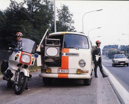 Volkswagen T2a early bay with latest traffic radar technology…