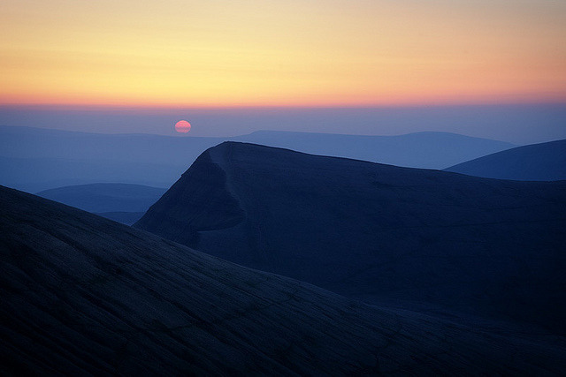 Brecon Beacons Sunrise by Mohain on Flickr.