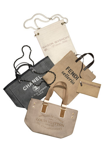 elle:  Totes Amaze Get a chic upgrade with springs utilitarian logo totes! Photo: Svend Lindbaek