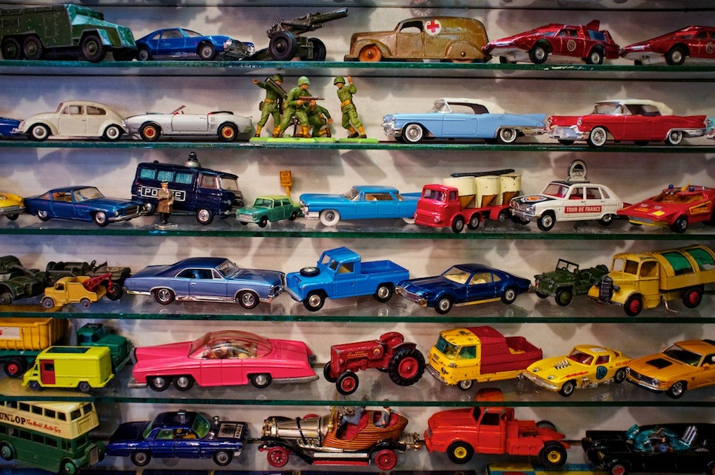 #215: 4-5-2012 - Toy Cars, Winnipeg