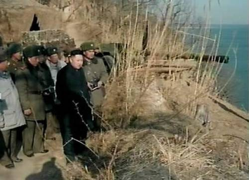 kimjongunlookingatthings:  looking at a coastal defense position