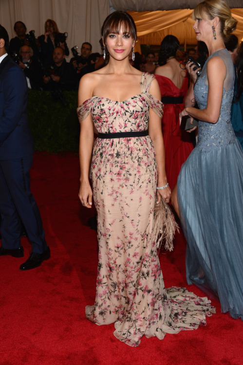 Rashida Jones in Tory Burch at the MET GALA